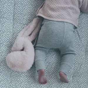 Snuggle Bunny Small met speenkoord roze Mies & Co