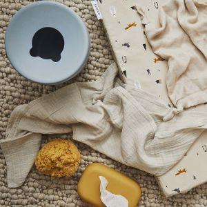 Siliconen babydoekjescover Emi mustard Liewood