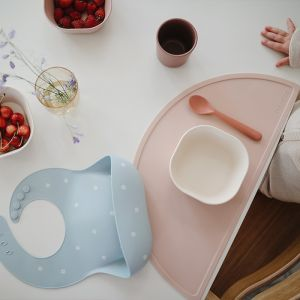 Siliconen placemat Blush Mushie & Co