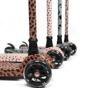 Step Caramel Leopard VanPauline