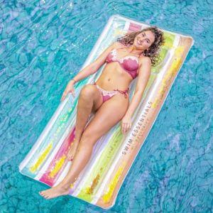 Luchtbed Rainbow Swim Essentials