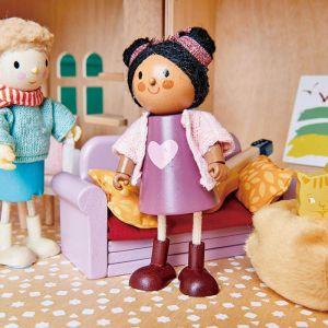 Houten poppenhuis popje Ayana Tender Leaf Toys