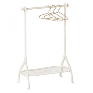 Kledingrek met hangers off white (medium) Maileg
