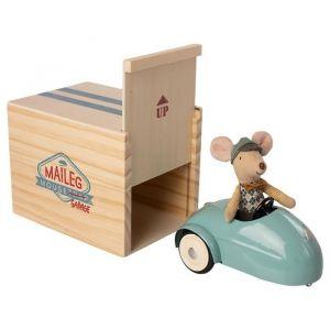 Race muis in garage blauw (kleine broer) Maileg