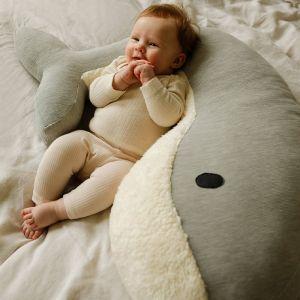 Voedingskussen walvis Momo grijs Nanami