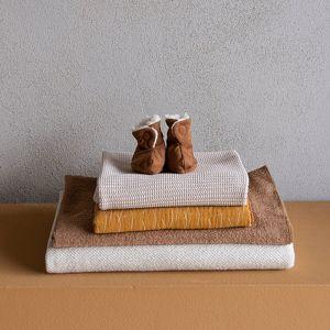 Slofjes bruin suedine met teddy (0-6m) Nanami
