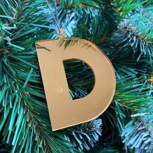 Gepersonaliseerde kersthanger initiaal met naam