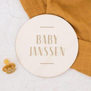 Houten zwangerschapsaankondiging modern